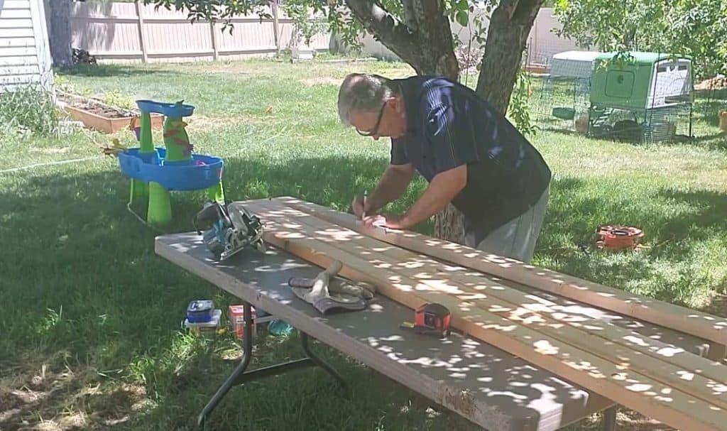Cutting Quail Hutch Legs